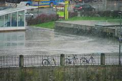 Innsbruck 69 sous la pluie (paspog) Tags: rain shower austria pluie regen innsbruck orage autriche undertherain souslapluie