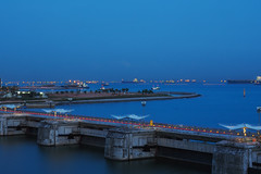Blue (elenaleong) Tags: marinabarrage bluehour tranquil elenaleong
