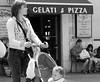 B&W Mutter und Kind (mikiitaly) Tags: kind casio mutter exilim spaziergang passeggiata bwartaward everythingitalian rubyphotographer exfh20 monochromeaward