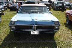 1967 Pontiac Parisienne convertible (Canadian) (carphoto) Tags: convertible 1967 pontiac parisienne 1967pontiacparisienneconvertible springbarriefleamarket2009 ©richardspiegelmancarphoto