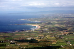 Doughmore Bay (Fergal Clohessy) Tags: ocean county ireland sea club golf bay clare aerial cliffs atlantic helicopter moher fergal doonbeg liscannor clohessy doughmore fergalclohessy