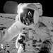 Luces y Sombras- 30.06.2011- Nasa o Astronautas.. alguien miente ¿no?