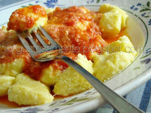 Gnocchi semplici di ricotta e parmigiano