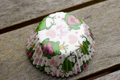 froggie cupcake liner