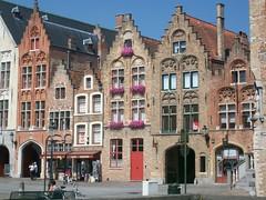 Brugge - Bruges, case sulla Jan Van Eyckplein (Valerio_D) Tags: brugge bruges belgio belgium belgique belgië 2009estate eu unesco soe flickraward anawesomeshot tp supershot anticando worldtrekker ruby15 vincitricesoloconcorsi