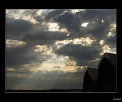 martes de nubes sobre YSIOS (AITANA64) Tags: sunset espaa clouds atardecer spain nubes paisvasco riojaalavesa olympuse510 cloudslightningstorms aitana64 exquisitesunsets