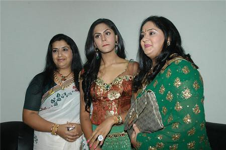Ambika with Radhas daughter Karthika and Radha1