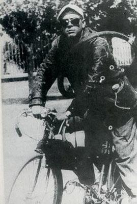 Ele, o homem, o mito, o revolucionário, antes da motocicleta, antes de virar camiseta, antes de Cuba: Ernesto Guevara, El Che!