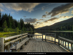 Sunset at Trillium Lake (David Gn Photography) Tags: trees sunset mountain nature oregon landscape lakes pacificnorthwest hdr trilliumlake photomatix flickrestrellas sigma1020mmf35exdchsm canoneosrebelt1i