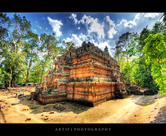 Phimeanakas In Angkor Thom, Siem Reap, Cambodia :: HDR (Artie | Photography :: I'm a lazy boy :)) Tags: classic architecture photoshop canon ruins cambodia khmer cs2 stones wideangle handheld historical 1020mm siemreap angkor hindu hdr bayon angkorthom artie 10thcentury 3xp sigmalens photomatix bayontemple prasat tonemapping phimeanakas tonemap rajendravarman 400d rebelxti vimeanakas