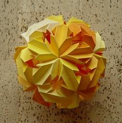 LEROY's Origami Chrysanthemum (Tagfalter) Tags: origami modular kusudama