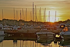 ATARDECER EN EL PUERTO DE SOTOGRANDE, CÁDIZ (Juan Ramón Galán Jiménez) Tags: españa canon atardecer barcos andalucia puestadesol cádiz veleros puertodeportivo canoniani puertodesotogrande