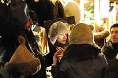 Kbaraproov (anuwintschalek) Tags: winter hat night dark evening abend hungary december candid budapest christmasmarket ungarn 2009 dunkel talv mts christkindlmarkt haube htu ungari adventmarkt 18200vr pime kbar nikond90 jululaat