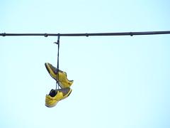 Zapatillas 5 (copepodo) Tags: wire cable sneakers zapatillas shoefiti shoetossing