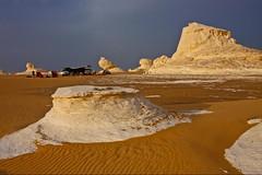 (657) Paradise of chalk and sand (avalon20_(mac)) Tags: africa travel blue sky sahara nature geotagged sand desert egypt 500 misr eos40d schulzaktivreisen