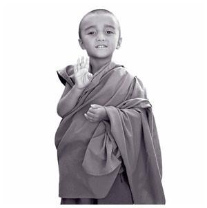 Niños Tibetanos haciendo meditación con Mudras 03