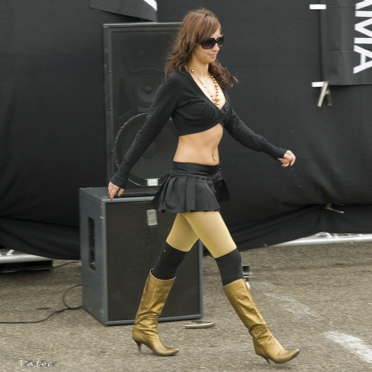 Tuning girl in black 2