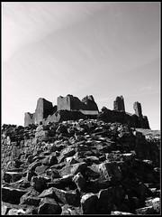 Carreg Cennen Castle (livin the dream*) Tags: southwales wales countryside carmarthenshire stonewall carregcennencastle welshflickrcymru wfccarreg2009 wfcphotmeet