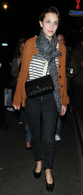 Preppie_-_Alexa_Chung_at_Quo_Vadis_restaurant_in_London_-_September_24_2009_269