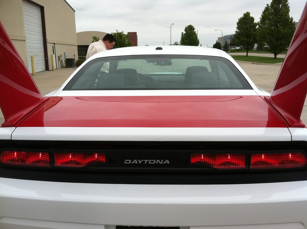 Picture together with  further B Fac F B as well Dodge Charger Rear Spoiler Custom Danko furthermore R U Op. on 2006 dodge charger starter location
