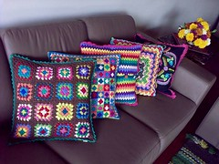 Crochet Pillows... growing (LauraLRF) Tags: rayas colors thread squares ripple stripes crochet colores pillow sofa abuela cotton sillon hilo granny cushion algodon tejido ganchillo almohadon cuadraditos