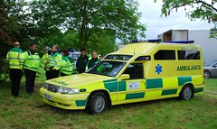 ambulance (Margaret Stranks) Tags: uk church churches ambulance southpark oxford service 2009 headington loveoxford