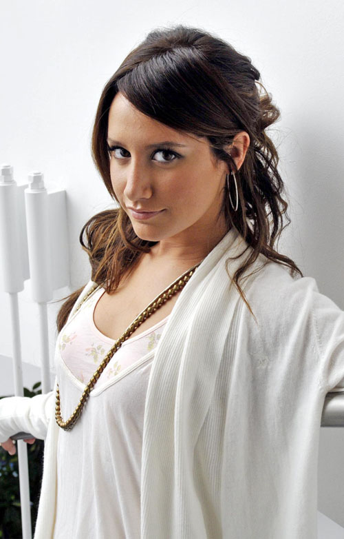 ashley-tisdale-shoot-689-1