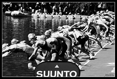 Al agua (*Morticia*) Tags: madrid water sport lago agua women deporte salida salto mundial mujeres climax natacion 2016 asunto triatlon atletica