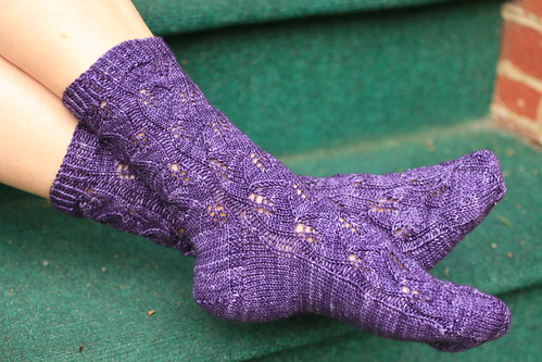 Embossed Leaves in Malabrigo 'Violetas Africanas'