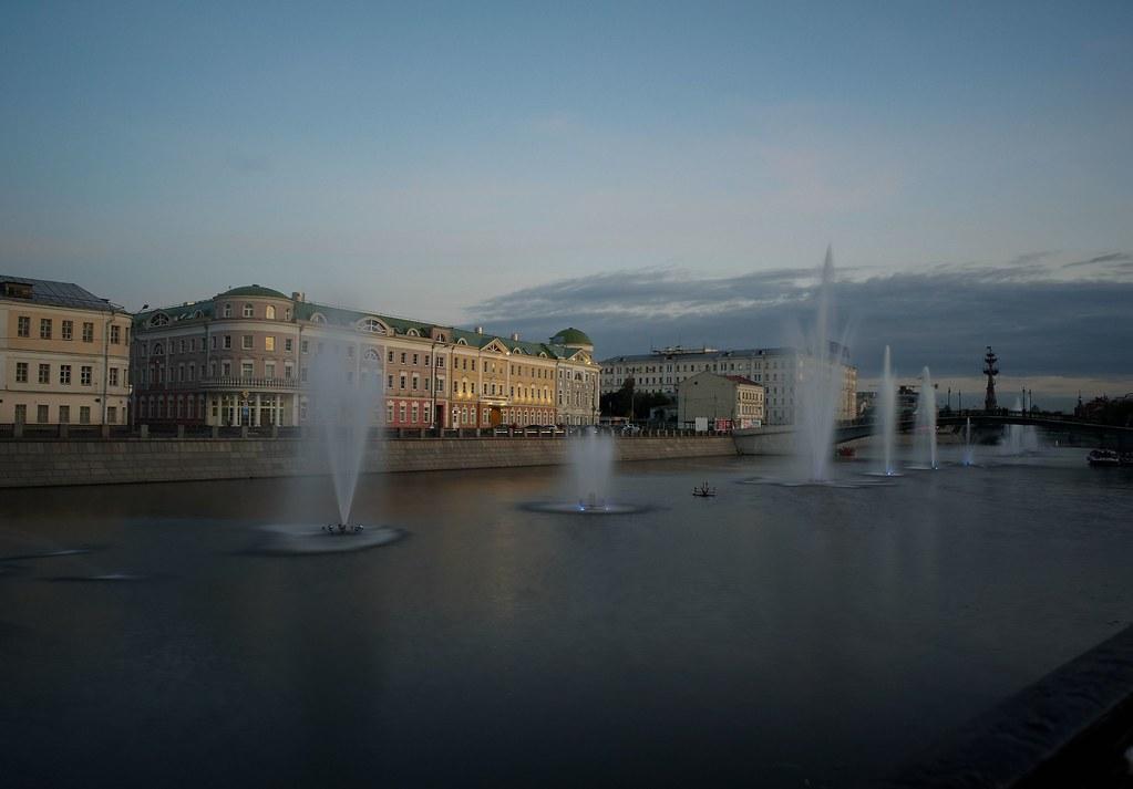 фото: Evening, quay, fountains