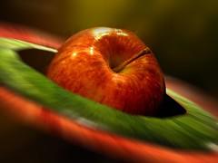 Den nyttiga äppelcidervinägern görs av solmogna äpplen