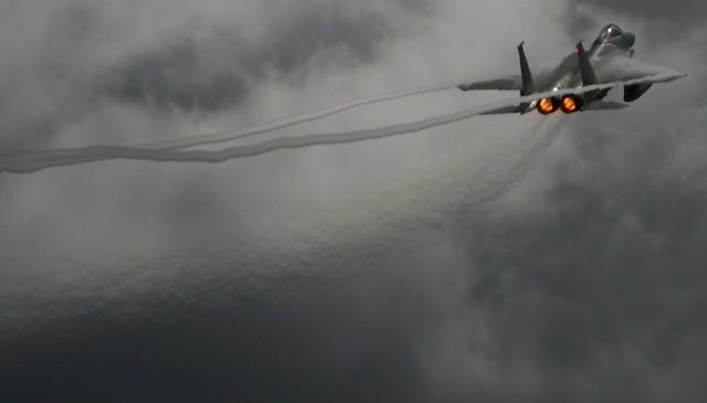 F-15鹰式蒸气步道