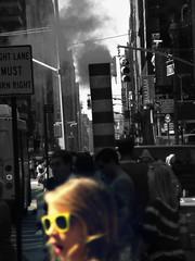 biondina a new york city (stefo) Tags: street people usa ny newyork girl sunglasses yellow america glasses trafficlight crossing smoke crowd right lips blond lane timessquare semaforo lipstick must jam occhiali fumo rossetto bionda rightlanemustturnright occhialidasole blondgirl attraversare rightlane biondina attraversamento ragazzabionda