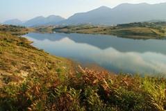Liqeni i Farkës (kosova cajun) Tags: autumn lake mountains reflection fall landscape reservoir albania sauk tirana shqipëri dajti peisazh shqipëria tiranë vjeshtë mtdajti maliidajtit liqeniifarkës