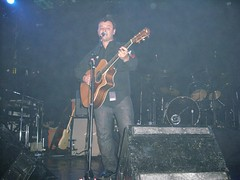 James Dean Bradfield and Sean Moore (ExileFanzine) Tags: chicago concert october 1st live gig exile 2009 manicstreetpreachers themetro jamesdeanbradfield northamericantour seanmoore mspnickywire exilefanzine