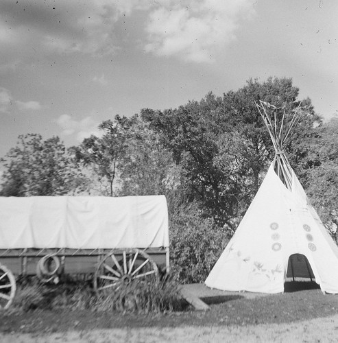 Wagon & Teepee