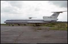 RA-85153 - St. Petersburg Pulkovo (LED) 22.08.2001 (Jakob_DK) Tags: 2001 led ulli stpetersburg pulkovo tupolev tupolev154 tupolev154b tupolev154b1 tu154 tu154b tu154b1 careless pulkovoaviation pulkovoavia