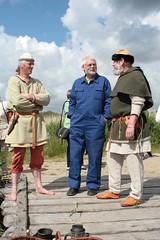 Reinhard Erichsen, Wulf Freese und Uwe Kutzner auf der Landebrücke in Haithabu - Museumsfreifläche Wikinger Museum Haithabu WHH 27-05-2009