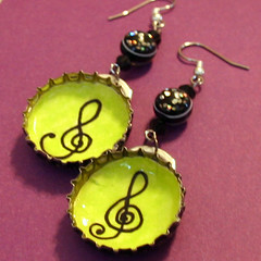 treble clef - Bottlecap earrings by CrankyPickle