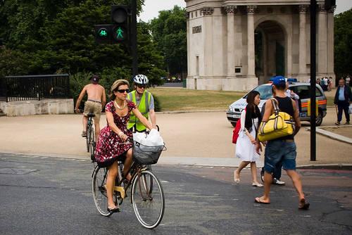 London Cycle Chic - Hyde Park Corner