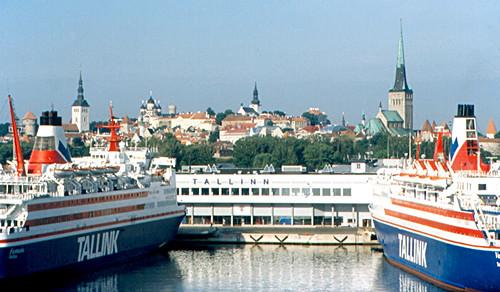 Arrival in Tallinn por roger4336.