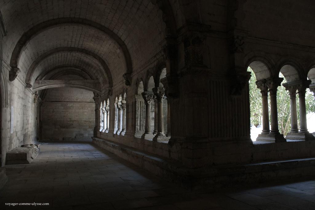 O claustro de Montmajour
