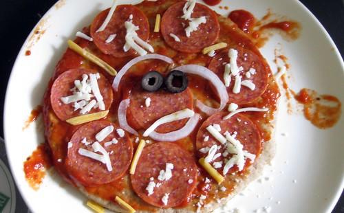 Nolan's pizza