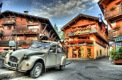 Citroen 2CV (CoolAzerty) Tags: sky cloud house flower car nikon citroen 2cv hdr twop megeve ineffable d90 vftw