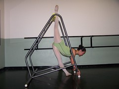 Arabesque Penche E2 (StretchGym) Tags: stretch gym flexibility arabesque penche