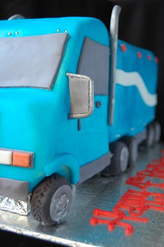 Luke's Mack Truck cake - driver side