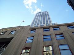 New York City: Empire State Building (skyliner72) Tags: nyc newyorkcity ny skyscraper manhattan midtown empirestate artdeco 33rdstreet joemckiernan skyliner72 joespictures2009 joemck2345byahoocom