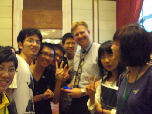 Wes Fryer With Chinese Students in Hangzhou in 2009 by Wesley Fryer, on Flickr
