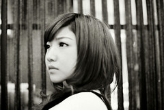 _沉默的倔強。 (eliot.) Tags: portrait blackandwhite film minolta hsinchu taiwan 台灣 agfa eliot himatic7s vista200 新竹市 因為自由而受困 倔強,是種不畏懼 怕與不怕,之間