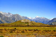 Remember Edoras in Lord of the Rings? (msdstefan) Tags: pictures ocean trip travel newzealand vacation sky panorama sun holiday alps sol praia beach strand landscape island coast soleil sand pacific pics urlaub himmel bank playa location nikond50 best insel nz southpacific southisland lordoftherings alpen ufer landschaft sonne plage rtw isla zon spiaggia nicest pictureperfect kste oceania pazifik edoras ozean locationshots otw ammeer sdpazifik  ozeanien  landschaftsbild  flickraward denizkys platinumheartaward pazifischeinseln thisphotorocks flickrestrellas 100commentgroup oltusfotos pazificislands platinumbestshot flickrunitedaward stefansbest